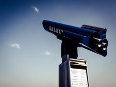 GALAXY (Art de Lux) Tags: leica blue sky germany deutschland coast pier himmel balticsea binoculars telescope blau ostsee summilux fernglas schleswigholstein küste fernrohr seebrücke mft fieldglasses haffkrug microfourthirds artdelux