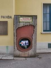 #goodpandacontest flickr panda in the Maternity Den of Panda Fu Hu at the Zoo Tiergarten Schönbrunn Lotti und der flickr Panda in der Wurfhöhle - für Flickr Good Panda Photo Contest (hedbavny) Tags: goodpandacontest goodpanda panda contest flickr tiergarten zoo schönbrunn wurfhöhle den box child kid wien vienna austria österreich hedbavny ingridhedbavny