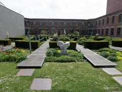 Le patio (bpmm) Tags: lapiscine roubaix jardin musée sculpture