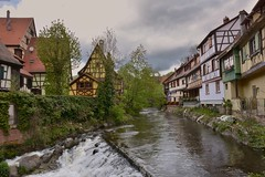 Kaysersberg (Olivier Simard Photographie) Tags: kaysersberg alsace france colombages rivière couleurs olivier simard photographie hautrhin vosges architecture elsass colors kaisersbari les plus beaux villages de village la weiss schlossberg chapelle loberhof paysage timbered storks vineyard town valley chapel oberhof valleys orbey lapoutroie landscape waterfall cascade moulin mill remparts fortification eau water ciel sky