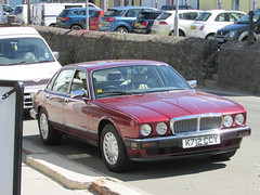 Jaguar XJ6 (Andrew 2.8i) Tags: spot classics classic road kingdom united streetspotting cars car street spotting carspotting uk wales british saloon sedan luxury executive xj40 xj xj6 jaguar