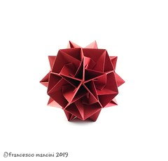 Tweak (mancinerie) Tags: origami modularorigami paperfolding papiroflexia papierfalten francescomancini mancinerie polyhedra icosahedron carta cartapiegata paper tant paperart kusudama