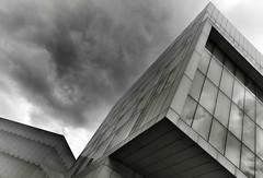 LA CIUDAD DE LOS SUEÑOS (a-r-g-u-s) Tags: edificios arquitectura zaragoza ventanas etopia