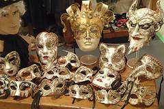 1565 (bluefootedbooby) Tags: artigianato maschera carnevale venezia
