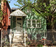 1415 N. Maplewood Avenue (Brule Laker) Tags: chicago illinois wickerpark humboldtpark