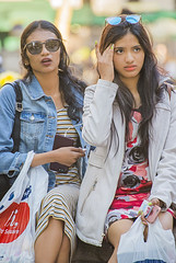 1378_0083FL (davidben33) Tags: newyork manhattan street 718 streetphotos portraits women girls landscape cityscape beauties fashion spring 2019 architecture buildings 5th ave 42d st bryantpark