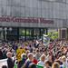 Generationsübergreifende Fridays for Future Kundgebung und Demonstration vor dem Römisch-Germanischen Museum in Köln (Roncalliplatz)