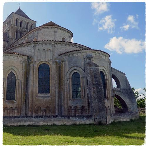 Eglise abbatiale de St Jouin de Marnes