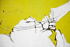Imposture (Gerard Hermand) Tags: 1905208663 gerardhermand france paris canon eos5dmarkii canalsaintdenis abstrait abstraction abstract planche board bois wood peinture paint blanc white jaune yellow