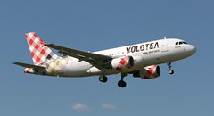 EC-MTC - Airbus A319-111 - Volotea MPL 220519 (kitmasterbloke) Tags: mpl montpelier frejourges aviation airliner aircraft france outdoor transport
