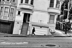 Castro Street (erichudson78) Tags: usa california californie sanfrancisco castrostreet nb bw noiretblanc blackandwhite town streetphotography street ville rue canoneos6d canonef24105mmf4lisusm