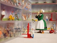 Les coulisses du Petit monde (ccedric.com) Tags: miniatures figurines toy h0 ccédric bécassine