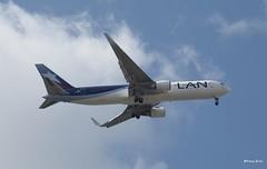 Boeing 767-316(ER) (LV-CFV) LATAM (Mountvic Holsteins) Tags: boeing mia 767316er lvcfv latam argentina miami international airport florida lan