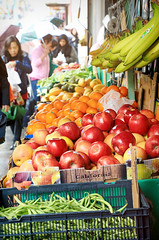 Chinatown in San Francisco 5.18.19 6 (Marcie Gonzalez) Tags: grocery store produce fruits vegetable people shopping market fresh apples oranges bananas display outside san francisco california rain wet 2019 usa us north america marcie gonzalez marciegonzalez marciegonzalezphotography photography canon road trip chinatown china town chinese asian old street streets building buildings colorful colors sign signs walking historic