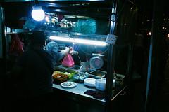 (Hem.Odd) Tags: malaysia kualalumpur night olympusxa3 agfavista400 streetfood street shop lowlight lights silhouette
