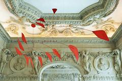 Grand rouge - Big red - Alexander Calder 1959 (Monceau) Tags: alexandercalder mobile muséepicasso stairwell bigred grandrouge red