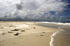 Amazing Nature 2 (Luiz Augusto Dantas) Tags: cloudy nublado clouds nuvens nature natureza areia sand sun sol beach prai