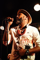 ANTHONY JOSEPH    DSC_4218    MIRABELWHITE (Mirabelwhite) Tags: anthonyjoseph concert trinidad poet poete heavenlysweetness newmorning paris spokenword bird head son birdheadson france