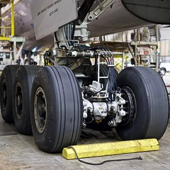 United Airlines Boeing 777-200 left main landing gear. San Francisco Airport 2019. (17crossfeed) Tags: sfo unitedairlines unitedexpress sfoov sanfranciscoairport airport aviation aircraft airplane flying flight 777 777200 landing landinggear 17crossfeed claytoneddy lufthansa southwestairlines americanairlines deltaairlines pilot planes planespotting plane