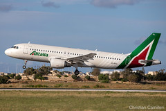 Alitalia Airbus A320-216 'EI-DSL' LMML - 13.05.2019 (Chris_Camille) Tags: canon canon5d aviation avgeek aviationgeek mla lmml airport takeoff fly sky plane aircraft airplane maltairport spotting planespotting registrations spottinglog alitalia airbus a320216 eidsl 13052019