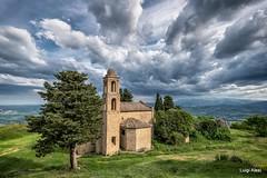 Pitino - San Severino Marche (luigi.alesi) Tags: italia italy marche macerata san severino pitino chiesa paesaggio landscape scenery cielo sky nuvole clouds nikon d750 tamron osd 1735