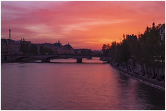 An In-Seine Sunset. (babell4321) Tags: paris beverleybell 2019 france sunset seine river eiffeltower water bridge silhouette trees skyline recent explore architecture