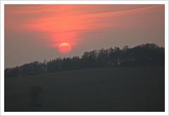 Ende eines Fotoausflugs (Norbert Kaiser) Tags: sachsen saxony erzgebirge krušnéhory oremountains ansprung sonnenuntergang sunset sonne abend abendrot wald landschaft landscape natur nature