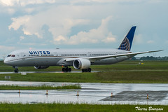 [CDG] United Airlines Boeing 787-10 Dreamliner _ N14001 (thibou1) Tags: thierrybourgain cdg lfpg spotting aircraft airplane nikon d810 tamron sigma unitedairlines boeing boeing787 b787 b78710 dreamliner taxiing n14001 united