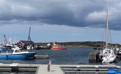 bua (helena.e) Tags: helenae husbil rv motorhome älsa bua water vatten moln cloud himmel sky boat båt sjöräddningssällskapet hamn harbour
