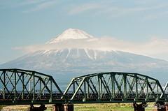 富士鐵橋 ([M!chael]) Tags: nikon f3hp nikkor 10525 ais kodak ultramax400 film manual fujiyama fujimt 富士山