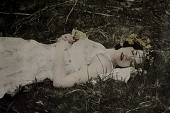 (Nynewe) Tags: self snow white red lips flowers vintage spring melancholy melancholia amor fati romanticism feminine destiny nynewe fairy tales slovak poetic fragile frail dead sleeping beauty