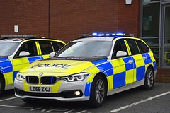 LD66 ZXJ (S11 AUN) Tags: lancashire constabulary bmw 330d 3series xdrive estate touring osu operational support unit anpr police traffic car rpu roads policing 999 emergency vehicle exdemo demonstrator ld66zxj