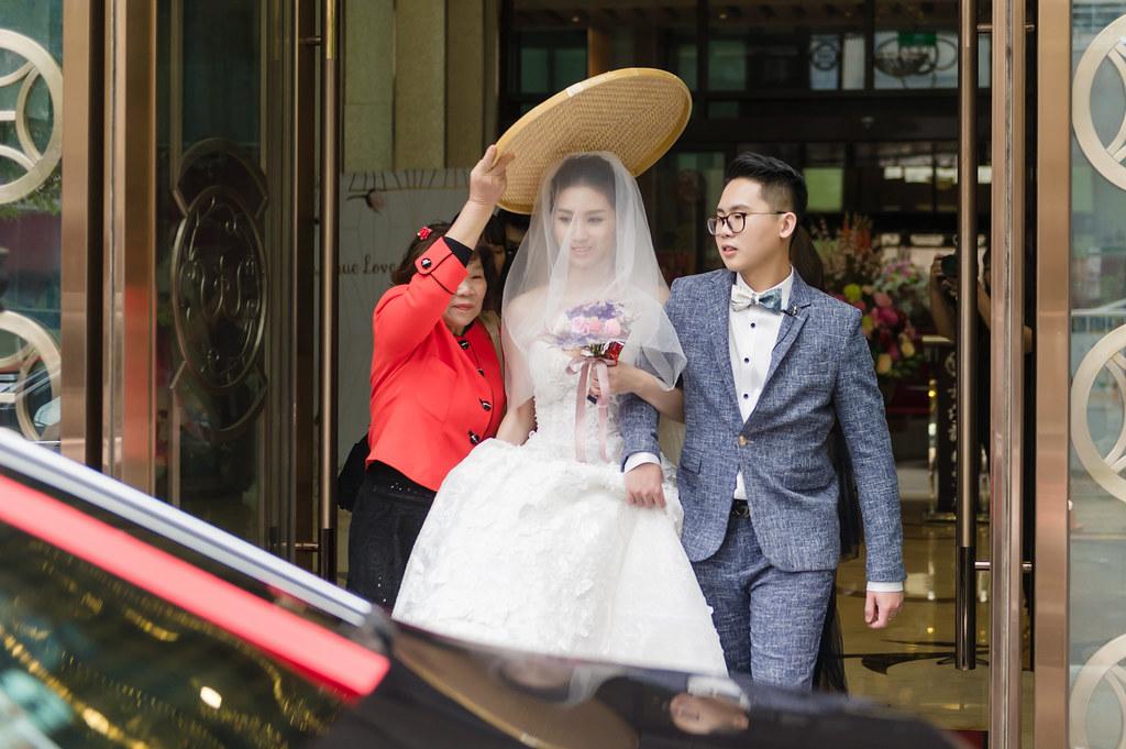 婚攝,婚禮紀錄,婚禮攝影,鯊魚團隊,新莊頤品,龍鳳褂,新莊幸福讚精品飯店