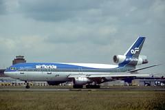 N103TV_1982-09_MUC_1200_SR (stefanmuc2001) Tags: n103tv dc10 dc1030cf mcdonnelldouglas mcdonnelldouglasdc10 airliner aircraft plane flugzeug riem flughafenriem eddm muc münchen munich münchenriem munichriem 1982 kodachrome flughafen airport k25 slidescan airflorida transamericaairlines transinternationalairlines tia
