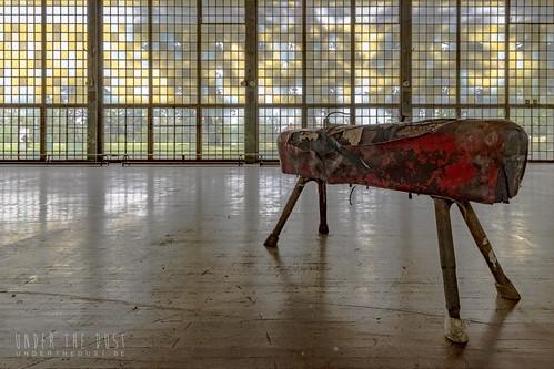 Olympic Village-cheval d'arçon