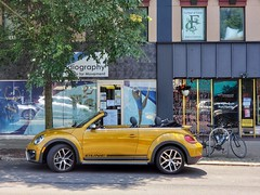 20190524_125447-01 (Tom D) Tags: project365 day144 squirrelhill pittsburgh vwbeetle volkswagen dune convertible