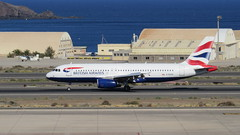 G-EUUS @ LPA British Airways from London Heathrow (Canada.Moose) Tags: grancanaria canaryislands spain airplane aircraft airport britishairways airbusa320 a320 320 unionflag