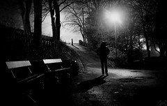 night encounter (frax[be]) Tags: atmosphere night lowkey fuji x100t outdoor lightshadows noiretblanc monochrome noir dark streetphotography street silhouette gloomy blackandwhite bnw