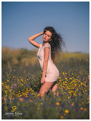 Daniela (Jaime R. Silva) Tags: olympus omdem5mkii mzuiko 75mm f18 bokeh model modelo beauty outdoor field campo flowers flores people pessoas micro43