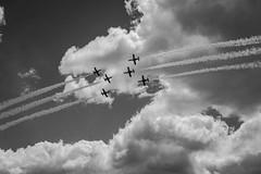 Impacto en el aire (Merly_gon) Tags: aviones aire nubes volando heliconteros getafe madrid cielo sky clouds airplanes airplane air plae