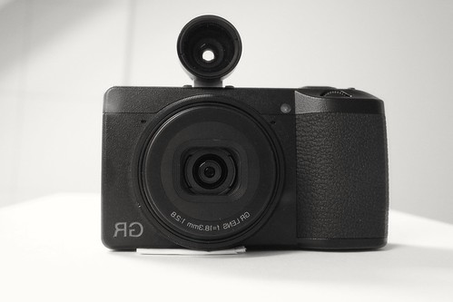 Voigtländer 28mm Viewfinder on Ricoh GR III - a photo on