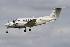 Beech C-12F Huron United States -US Army 84-00156 (Niko Hpx) Tags: usaarmy be20 beech c12f huron usarmy 8400156 hawkerbeechcraftc12u3 hawkerbeechcraft beechc12f unitedstatesofamerica duke33 landing attérissage lfrn rns rennessaintjacques bl86