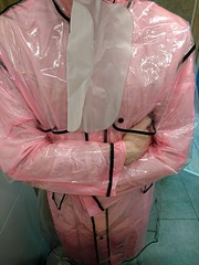 transparent plastic raincoat and pvc rainwear (coatrPL) Tags: transparent plastic raincoat rainwear rainsuit rainjacket raincape raingear coat coats pvc płaszcz płaszczyk przeciwdeszczowe regenanzug regenmantel płaszczyki gasmask multilayered layers