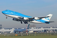 PH-BFW (Dutch Civil Aircraft Photography) Tags: klm klmroyaldutchairlines jumbo boeing 747 boeing747400 ams