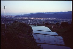 (✞bens▲n) Tags: pentax lx velvia 100 carl zeiss 35mm f24 flektogon film analogue slide landscape japan nagano obasute evening rice fields water