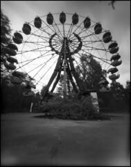 0120_Retropan320 (rubbernglue) Tags: ferriswheel pripyat ukraine abandoned при́пять 46mm 4x5 foma retropan320 hc110 bw blackandwhite bwfp filmphotography filmexif analog analogexif analogwithexif pinholoe f230 2019