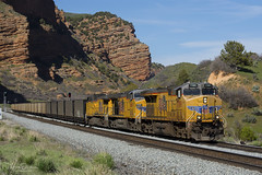 Coal down Echo Canyon (Patrick Dirden) Tags: up7789 c45accte gevo ge generalelectric diesel locomotive engine rail railroad train freighttrain cargo up unionpacific unionpacificrailroad upevanstonsubdivision echout overlandroute summitcounty echocanyon wasatchrange utah
