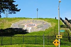 American Legion, Milwaukee (Cragin Spring) Tags: midwest milwaukee milwaukeewi milwaukeewisconsin wisconsin wi city urban unitedstates usa unitedstatesofamerica hill fence americanlegion veterans