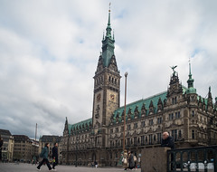 Rathaus Hamburg (Hamburg PORTography) Tags: cityhall townhall rathaus hamburg hoonose68 germany deutschland 2019 sgrossien grossien rmc tokina 24mm 128 minolta md mount metabones speedbooster ultra fuji xmount fujifilm xe1 adapted adapter lens objektiv manual againstautotagging