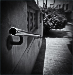 Fotografía Estenopeica (Pinhole Photography) (Black and White Fine Art) Tags: fotografiaestenopeica pinholephotography lenslesscamera camarasinlente lenslessphotography fotografiasinlente pinhole estenopo estenopeica stenopeika sténopé niksilverefexpro2 lightroom3 sanjuan oldsanjuan viejosanjuan puertorico bn bw